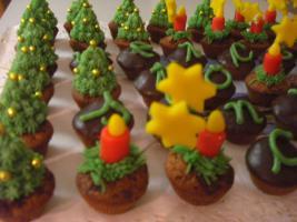 Foto 23 HAUSGEMACHT: Mini - Cupcakes, kleine süße , verführerische Leckereien...einfach passend zu jeder Gelegenheit !