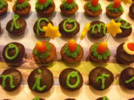 Foto 25 HAUSGEMACHT: Mini - Cupcakes, kleine süße , verführerische Leckereien...einfach passend zu jeder Gelegenheit !