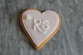 Foto 2 HAUSGEMACHT: Wedding-Cookies oder eßbare Tischkärtchen und Tischdekoration
