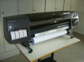 HP DESIGNJET 1050C PLUS 36'' 91,44CM TISCH PLOTTER TINTE