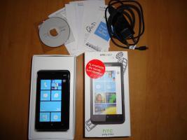 HTC HD7 Windowsphone, 16 GB interner Speicher, mit pinkem Case zu verkaufen