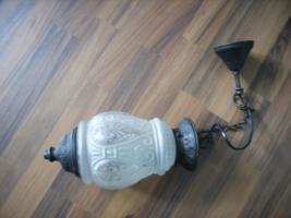 Hängeleuchte, Metall & Milchglas mit Ornamenten