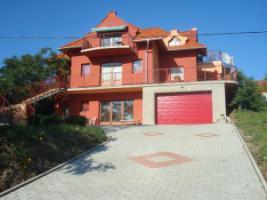 Foto 2 Häuser zur Miete in Ungarn Nähe Plattensee und Heilsee Hévíz