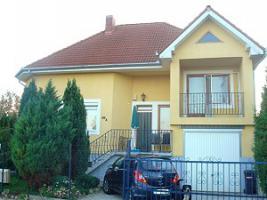 Foto 4 Häuser zur Miete in Ungarn Nähe Plattensee und Heilsee Hévíz