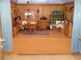 Foto 2 Handgefertigte Miniatur Bauernstube aus Holz