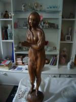 Handgeschnitzte Holzfigur