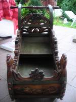 Foto 3 Handgeschnitzter Holzschlitten, Dekorationsartikel, ca. 30- 40 Jahre alt,
