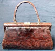 Handtasche aus braunem Schlangenleder