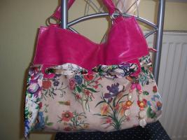 Foto 3 Handtaschen von Bullagi