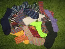Foto 4 Hauben und Socken