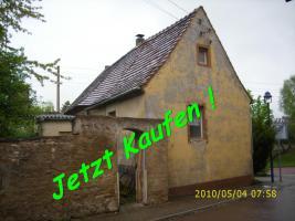 Haus in 06408  Aderstedt bei Bernburg zu verkaufen-stark sanierungsbed.