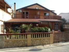 Haus mit 5 FeWo´s am Meer bei Zadar