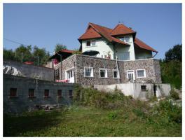 Haus am Donau mit Panorama