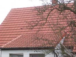 Foto 6 Haus mit Grundstück etwa 900m² mit Garage & Werkstadt Sanierungsbedürftig in 04552 Borna, Siedlung Kesselshain 01.