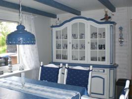 Foto 2 Haus am Meer Haus mit Einliegerwohnung -Ein wei�er Wohntraum in unmittelbarer N�he zum Yachthafen mit Blick auf den Deich-