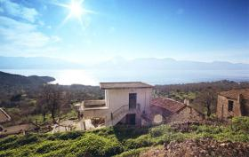 Haus mit Panoramablick auf Methana/Griechenland