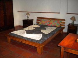 Haus mit Restaurant und Fremdenzimmern in Caacupe Paraguay