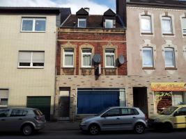 Haus zu verkaufen, ca. 140² mit ca. 40² Ladenlokal (zurzeit vermietet)