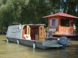 Hausboot zu vermieten.
