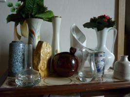 Foto 5 Haushaltsaufl�sung Esszimmerschrank , Tisch, Sofa, Wohnzimmertisch, Vasen etc.