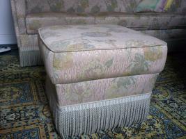 Foto 7 Haushaltsaufl�sung Esszimmerschrank , Tisch, Sofa, Wohnzimmertisch, Vasen etc.