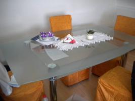 Foto 4 Haushaltsauflösung Wohnwand scharz-weiß Glastisch Schrank Geschirr Kleidung Kosmetik