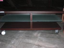 Foto 3 Haushaltsauflösung, Schuhe, Kleidung, Glas, Porzellan, Möbel uvm