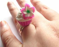 Hawaii Blumen Törtchen Ring