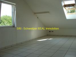 Foto 4 Helle 1 Zimmer DG Wohnung: Vermietung 1-Zimmer-Wohnung