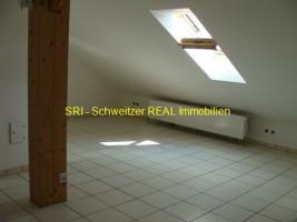 Foto 5 Helle 1 Zimmer DG Wohnung: Vermietung 1-Zimmer-Wohnung
