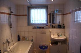 Helle 3 Zi-Wohnung mit Balkon + TOP Einbauküche Kaltmiete: 448 EUR