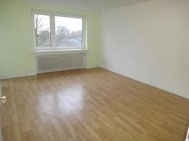 Foto 2 Helle 3-Zi. Wohnung in Neum�nster mit Balkon.