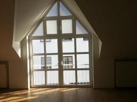 Helle Maisonette-Wohnung mit neuer EBK; 65 m² in Burglengenfeld