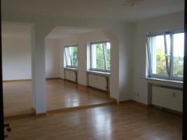 Helle Wohnung 97 qm mit 45 qm Hof/Garten - Kautionfrei