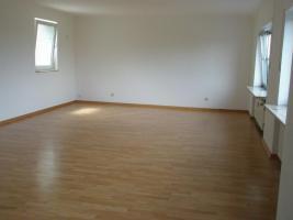 Foto 4 Helle Wohnung 97 qm mit 45 qm Hof/Garten - Kautionfrei