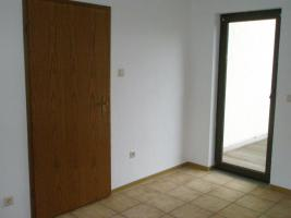 Foto 6 Helle Wohnung 97 qm mit 45 qm Hof/Garten - Kautionfrei