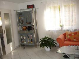 Foto 2 Helle-freundliche 2 1/2 Zimmerwohnung in Tamm; 60qm; Neuwertig