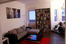 Foto 4 Helle stilvolle 3-4 Zimmer-Erdgeschoss-Wohnung mit hohen Decken und seperatem Eingang im 3-Parteien-Haus inkl. Garten und 2 Terrassen