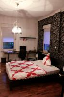 Foto 5 Helle stilvolle 3-4 Zimmer-Erdgeschoss-Wohnung mit hohen Decken und seperatem Eingang im 3-Parteien-Haus inkl. Garten und 2 Terrassen