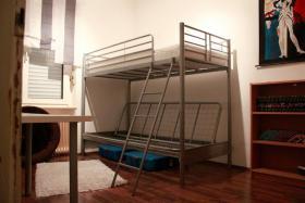 Foto 8 Helle stilvolle 3-4 Zimmer-Erdgeschoss-Wohnung mit hohen Decken und seperatem Eingang im 3-Parteien-Haus inkl. Garten und 2 Terrassen