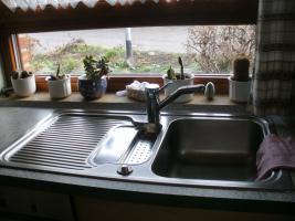 Foto 3 Helle, gepflegte Küche L-Form Eichennachbildung