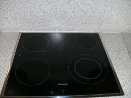 Foto 7 Helle, gepflegte Küche L-Form Eichennachbildung