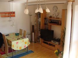 Foto 2 Helle, lichtdurchflutete 2-Zimmer-Wohnung, M�bel�bernahme m�glich - einziehen und wohlf�hlen!