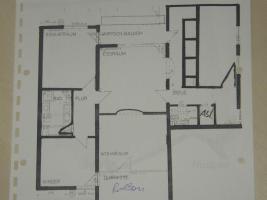 Foto 2 Helle, schön gelegene 4,5 Zimmer- ETW mit 2 Balkonen - provisionsfrei vom Eigentümer