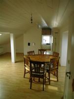 Foto 6 Helles 1 Zimmerappartment (Dachgeschoß) in 3-Familiehaus mit Einbauküche und seperatem Bad mit Badewanne in ruhiger Wohnlage in Ingolstadt/Donau zentrale Lage
