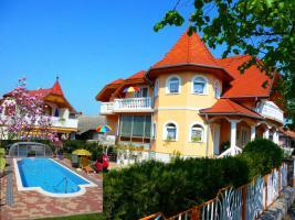 """Heviz!! Exkl.Ferienhaus, Zimmer, Apartement mit Schwimmbad, UNGARN, PLATTENSEE""""JOKER VILLA"""