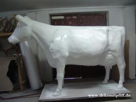 Hey Farbe und Pinsel gibt es im Baumarkt und ne Deko Kuh ...