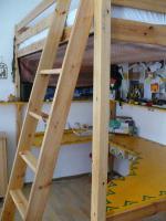 Foto 2 Hochbett mit integriertem Schreibtisch