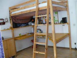 Foto 4 Hochbett mit integriertem Schreibtisch