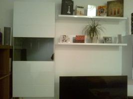 Hochglanz wei�e Wohnzimmerwand zu verkaufen